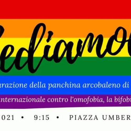 Un arcobaleno nel Boschetto Pizzi, panchina contro l'omofobia