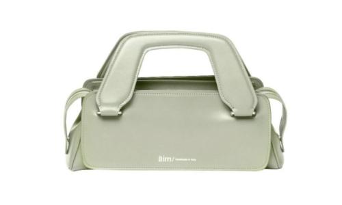 La borsa nasce dal manico, è un'idea del brand casertano Aim
