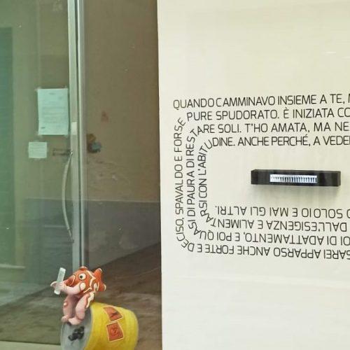 L'arte vista dalla strada, è l'installazione di Ambrosio & Tirelli