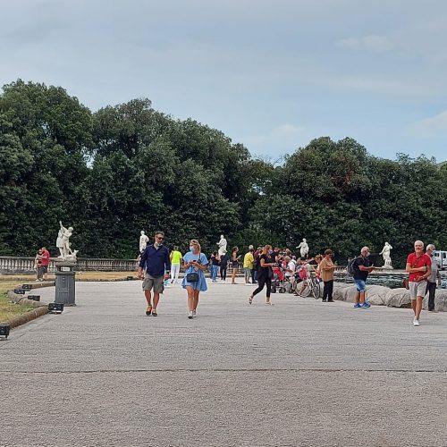 Dal mare alla Reggia, il maltempo porta i turisti ai monumenti