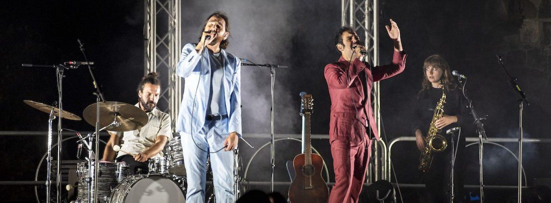 Colapesce e Dimartino, il Borgo va con la musica leggerissima